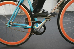 Chainstay (Richard Masoner / Cyclelicious) Tags: orange bike bicycle fixie fixedgear kona bandwagon deepvrim