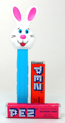 PEZ Candy & Dispenser Bunny