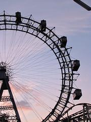 Viena -Prater - Riesenrad (L Dion) Tags: vienna wien sunset austria sterreich ferriswheel viena osterreich riesenrad prater rodagigante