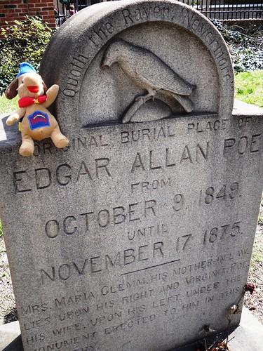 Holidog visits Poe's grave