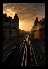 Paris, la nuit et le matin (Zed The Dragon) Tags: city morning bridge light sunset sky cloud sun paris france building skyline architecture night skyscraper french landscape geotagged effects photography photo europe flickr cityscape view minolta metro photos sony capital rail eiffel best fave most estrellas getty faves 100 alpha nuit postproduction sal gettyimages virginie francais lightroom fil historique effets storia parisien poselongue 0sec 100faves a350 hpexif flickrestrellas dslra350 alpha350 100commentgroup bestcapturesaoi flickraward5 zedthedragon 100coms fontenayexpozed aboveandbeyondlevel3