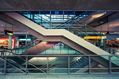 X (Dennis_F) Tags: colors architecture airport angle stuttgart fenster sony escalator wide sigma wideangle x treppe architektur flughafen dslr 1020 ultra farben rolltreppe uwa gelnder ultrawideangle sigmalens a700 sigma1020 uww sonyalpha sonydslr alpha700 sonya700 sonyalpha700 dslra700 sigma1020456 sigmaobjektiv eyckata