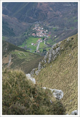 ARANGAS (Asturias) (MIGUEL (in)) Tags: españa spain asturias miguelin asturies sierradelcuera ltytr1 tamronaf18200mmf3563xrdiiildasféricoifmacro arangas vallederozagas