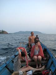 the divers return (fill circle line) Tags: cinque andamans dungi
