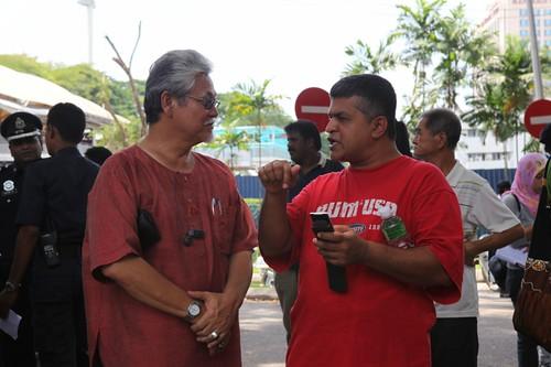 社会主义党主席Nasir Hashim以及Malaysia Kini漫画家Zunar