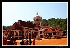 Shantadurga Temple, Goa (Amit Desai...the chosen one!!!) Tags: india canon temple photography eos rebel kul goa calangute salon 1855mm dslr spa canonefs1855mm gsb amit panjim xsi snip desai goud brahmin shantadurga 450d saraswat daivat gowd canonefs1855mm3556iilens