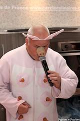 Noel Jamet en train de réaliser le cri du cochon