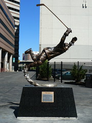 "Bobby Orr Statue ""The Goal"" (roopez123) Tags: sports hockey statue goal massachusetts bruins bostonbruins orr bostongarden stanleycup bobbyorr 19702010"
