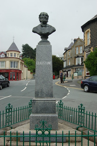 Gladstone statue, Penmaenmawr May 10 3