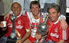 Ronnie Moran (left), manager Kenny Dalglish an...