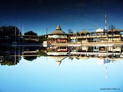 Simetria (Juan Giordanno) Tags: viaje parque sky cloud costa lake water argentina azul agua holidays natural fuente paz paisaje vista vacaciones castillo celeste simetria