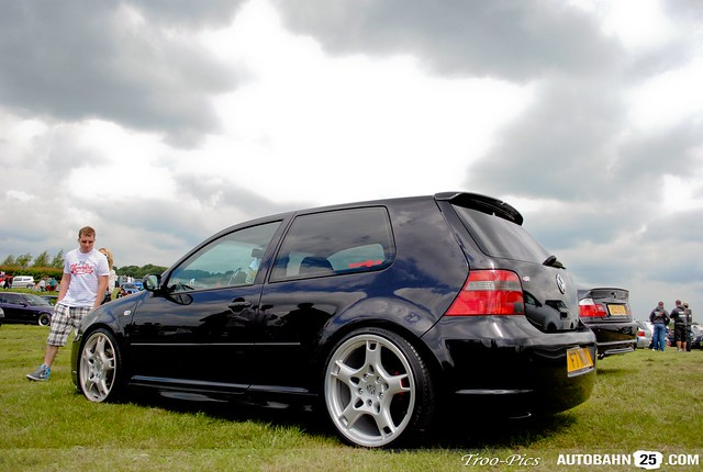 Vwvortex Com Porsche Lobster Claw Fitment On Vw Golf Mkiv