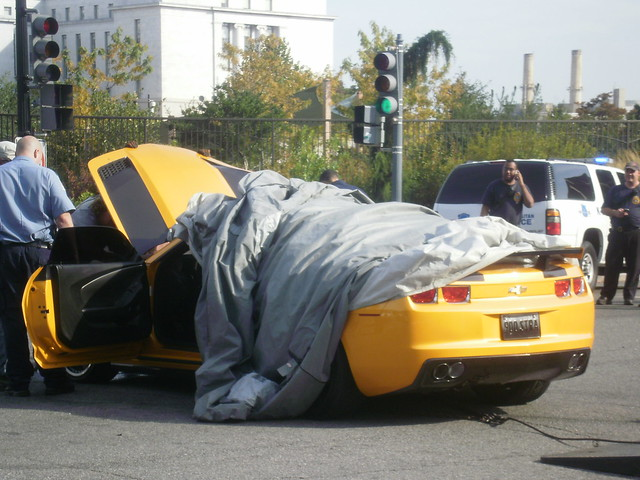 accidente de Bumblebee en Transformers 3
