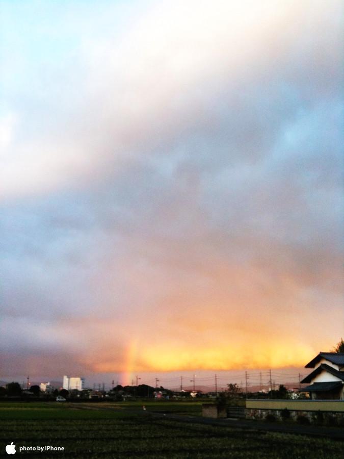 朝焼けと虹