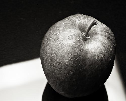 Apple B&W