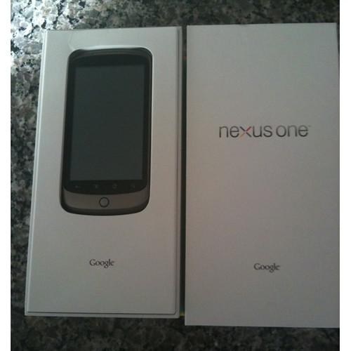 Google-Nexus-One-unboxed