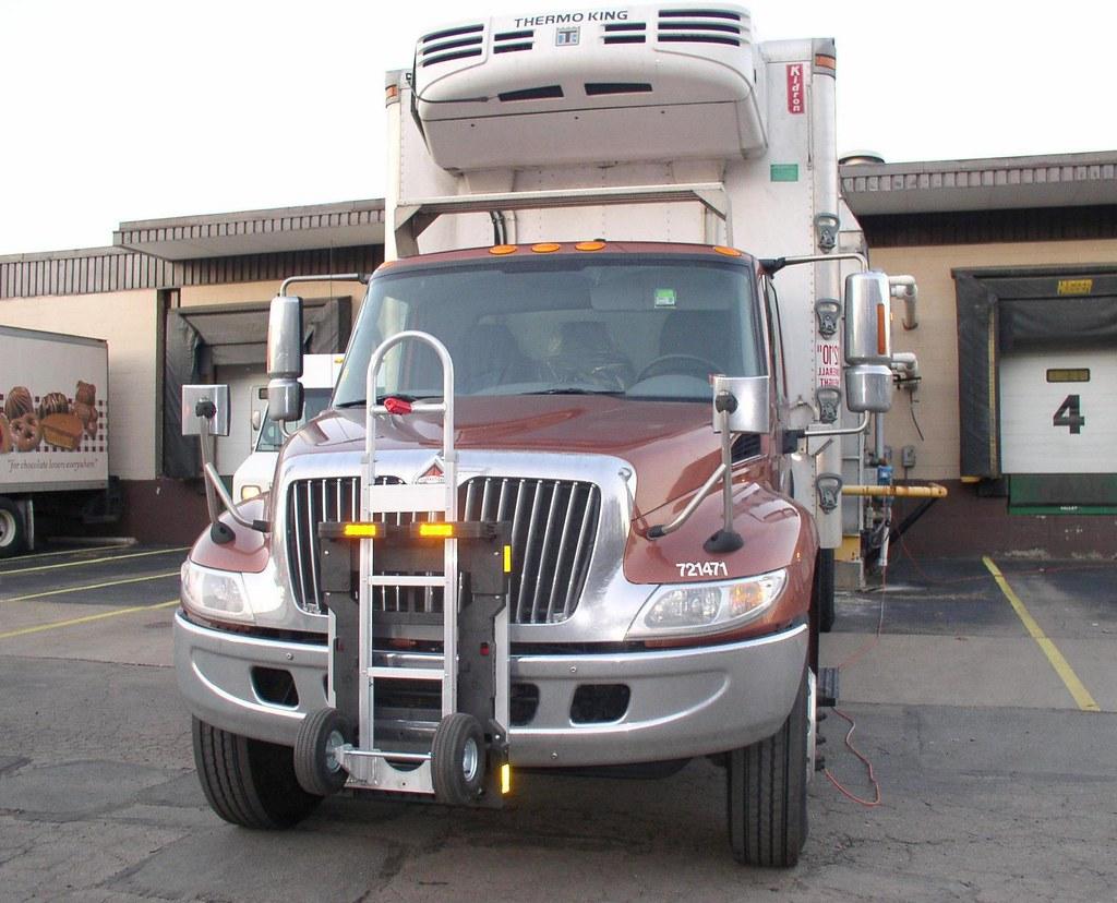 International 4300 series Navistar DuraStar truck