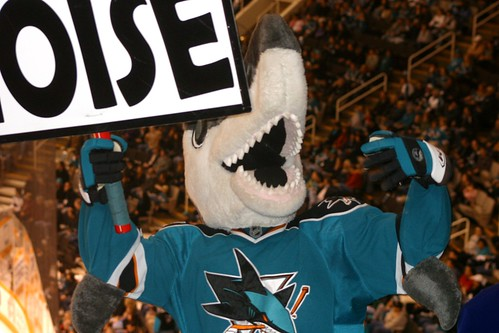 SJ Sharkie - Make Some Noise!