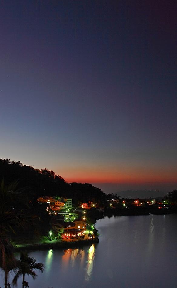 麒麟湖色溫