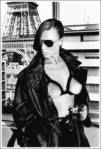 Gunilla Bergstrom, Paris 1976 © Helmut Newton Estate