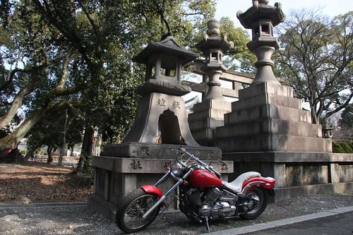 A motorcycle and a Shinto shrine