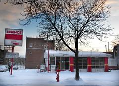 Garage (Bo No Bo) Tags: city blue winter red sky urban white snow sign rouge outdoors day pumps montréal garage hiver text jour gas bleu ciel québec neige essence extérieur blanc ville enseigne urbain villeray texte pompes s630 ruevilleray avenuehenrijulien vicvez