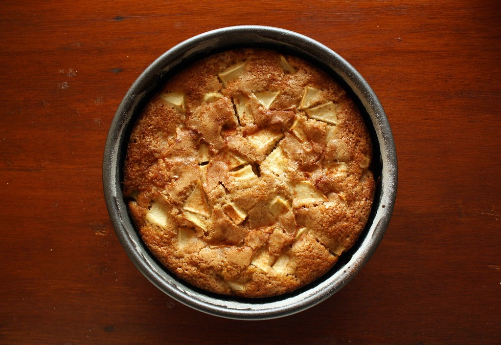 Much Depends on Dinner: the best apple cake