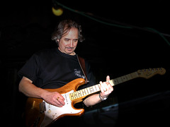 Phil Gtr (Peter Histon) Tags: band fullhouse covers