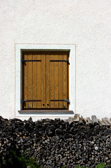 Closed Window (tacker) Tags: wood italy window southtirol altabadia