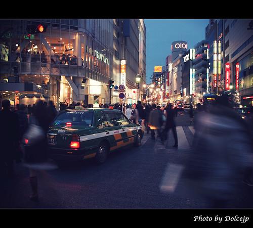 誤入人群叢林的小綠綠 @ 渋谷