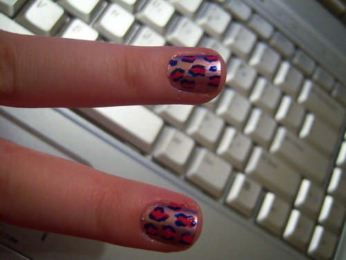 Animal print pink nails by Criss-Teen.
