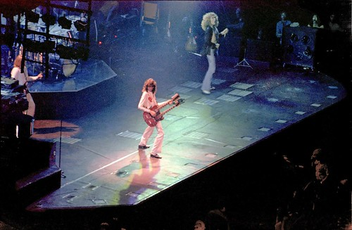 1977 Led Zeppelin - Jimmy Page - Robert Plant #1 70s Rock Concert