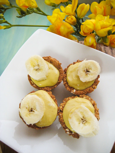 Mini Me Banana Cream Pies