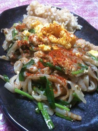 #jisui 久しぶりにパッタイ作ったよ。玄米炊いてくれたから添えたよ。