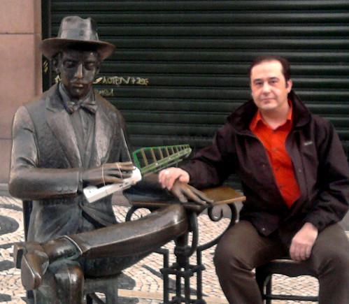 Con Fernando Pessoa en Lisboa