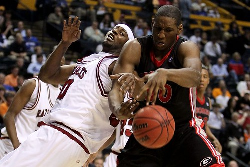 Arkansas Players (AP Photo/Dave Martin)