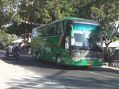 Easy Peasy! (leszee) Tags: 2 bus hd easy trans freddy ud bantay ilocossur nationalroad kinglong farinas easypeasy peasy nissandiesel farinastrans kinglongxmq6129y xmq6129y bulagcentro