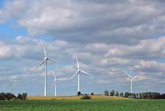 Deutschlands Norden (Bellavonte) Tags: wind pentax energie norden himmel wolken unterwegs blau landschaft weiss sommerfrische windkraftrder