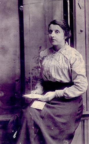 Mrs Mary McGhee,1916.