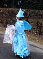 Fée bleue (Larch) Tags: carnival blue france wand bleu baguette dedos carnaval 74 fancydress fée déguisement hautesavoie fairie thyez baguettemagique