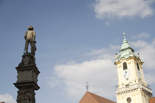 Heroic statue