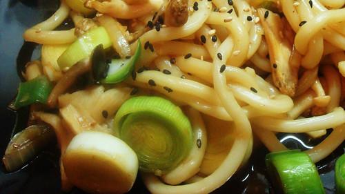 Mushroom & leek udon noodles