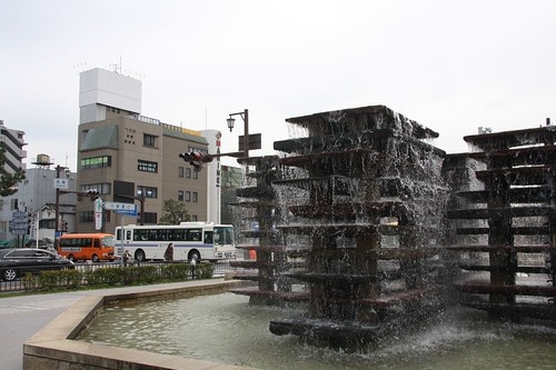 A crossing with the fountain