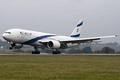 4X-ECE - 36083 - El Al Israel Airlines - Boeing 777-258ER - Luton - 100404 - Steven Gray - IMG_9345