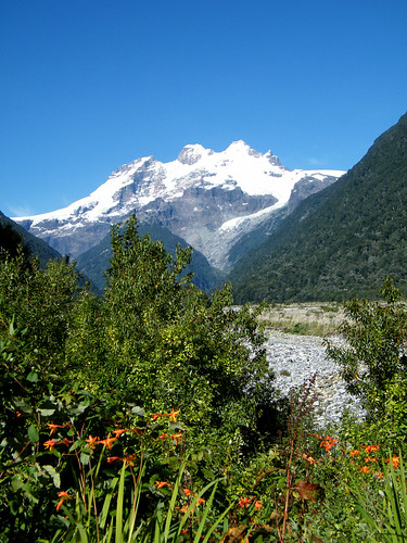 Cerro Tronador from Chile by katiealley on Flickr
