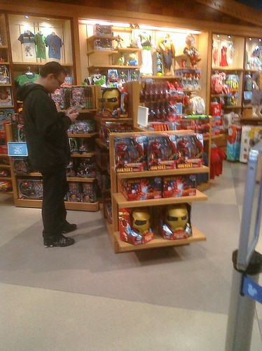 Ptw Marvel stuff in Disney Store. So sad.