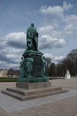 Statue in Karlsruhe (johanfoster) Tags: germany deutschland europe karlsruhe badenwrttemberg federalrepublicofgermany badenwrttemberg bundeslandbadenwrttemberg innenstadtwestkarlsruhe stadtgetty2010