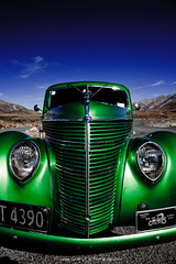 ... face to face ... (SebusPhotography) Tags: auto newzealand green car monster power canterbury front hotrod southisland oldtimer grn pimp neuseeland heis frontansicht sdinsel cavestream sebusphotography arthurspass arthurspassnationalpark wwwsebusphotographycom