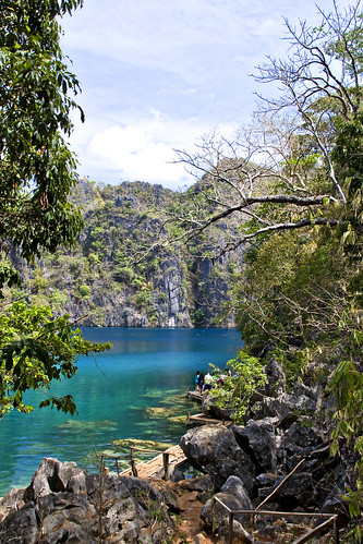 Cayangan Lake