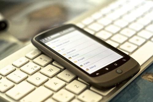Dropbox por Johan Larsonn, em Creative Commons